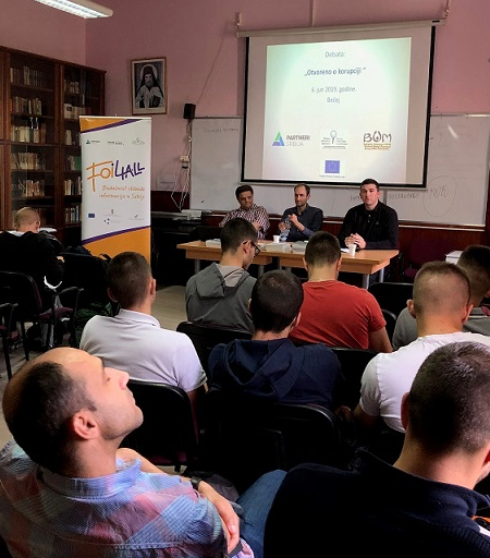 """Debate """"Openly about Corruption"""" Organized with High Schoolers in Becej"""